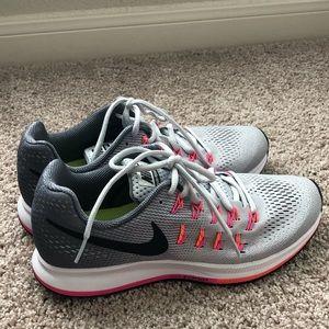 Nike Women's Zoom Pegasus 33 Running Shoes - 8.5